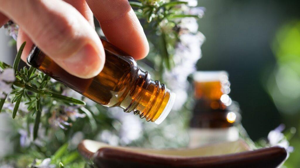 blending essential oils for yoga